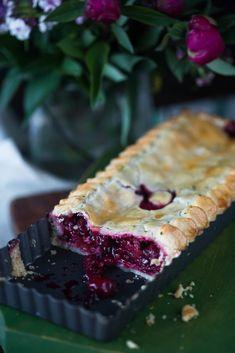 Despre fructe congelate și o Plăcintă cu fructe de vară - Ciocolată Şi VanilieCiocolată Şi Vanilie Dessert Recipes, Desserts, Mousse, Foodies, Bakery, Ice Cream, Sweets, Pie, Tailgate Desserts