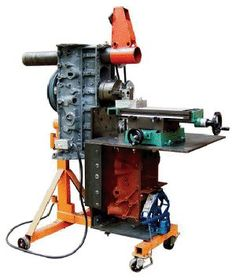 DIY machine shop: Four essential tools you can build from recycled parts - Multimachine, Screw Lathe, Drill, and Generator+ Metal Workshop, Garage Workshop, Cool Tools, Diy Tools, Cheap Tools, Machine Tools, Milling Machine, Diy Lathe, Metal Shop
