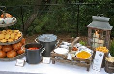 Outdoor Chili Party - Main Food Table - includes variety of rolls, chili and a baked potato bar. Great idea for a fall block party or chili cook off event. Nacho Bar, Baked Potato Bar, Baked Potatoes, Chili Party, Fingers Food, Chili Cook Off, Harvest Party, Fall Harvest, Fall Dinner