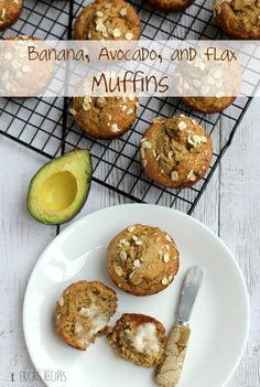 """Banana, Avocado, and Flax Muffins - """"What? Avocado in Muffins? Zucchini Muffins, Muffins Blueberry, Healthy Muffins, Healthy Treats, Healthy Baking, Healthy Recipes, Healthy Desserts, Healthy Foods, Easy Recipes"""