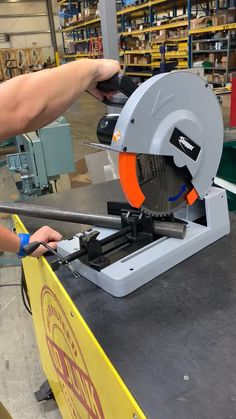 Fein Slugger TCT Saw The Slugger cuts metal faster, more economically and safer than abrasive cut-off saws. Very little heat is created during the sawing process and many of the chips created are captured within the tray contained inside the base. Sheet Metal Tools, Metal Bending Tools, Metal Working Tools, Welding Shop, Welding Table, Woodworking Techniques, Woodworking Videos, Woodworking Bench, Woodworking Chisels