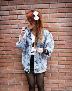 Loving the oversized denim jacket. LEHAPPY #grunge