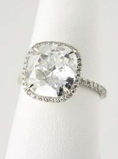 My dream engagement ring!! Ahhhh. Thin diamond band/ large diamond.