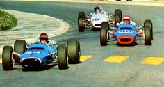 Roby Weber - Matra Ford - Matra Sports Leads Jean-Pierre Jaussaud - Matra Ford - Matra Sports and Peter Gethin - Brabham - Ford Cosworth-Holbay - Sports Motors (Manchester) entering Foch chicane - Coupes de Vitesse 1967 Sports Car Racing, Race Cars, Slot Cars, Matra, Automobile, Manchester, Formula One, World Championship, Monte Carlo