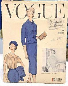 Vogue Paris Original 1382 by Jean Dessès Vintage Vogue Patterns, Mccalls Sewing Patterns, Simplicity Sewing Patterns, Christian Dior Dress, Paris Dresses, Paris Design, Vintage Gowns, One Piece Dress, Vogue Paris