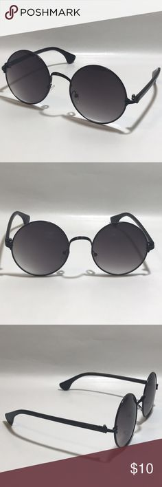 """Black Unisex Circle Sunglasses ☑️ 1 Pair of Unisex Circle Sunglasses    ▪️Black Frame    ▪️Tinted Lenses    ▪️100% UV Protection    ▪️High Quality    ▪️Silver Metal Nose Bridge    ▪️Men 