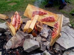 Hyvää loimulohta oli myös. Hyvä paikka koulutukselle. Antoisa😀!! Firewood, Crafts, Woodburning, Manualidades, Handmade Crafts, Craft, Crafting, Wood Fuel