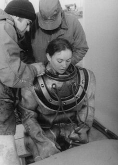 Donna Tobias became the first woman to graduate from the Navy's Deep Sea Diving School in 1975. She had to handle some 200 pounds of gear, including a Mark V dive helmet, weighted boots, and a heavy canvas suit.