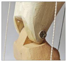 Шарнирные соединения Wooden Puppet, Wooden Dolls, Teddy Bear Design, Marionette Puppet, Wooden Spatula, Puppet Making, Wooden Figurines, Realistic Dolls, Insect Art