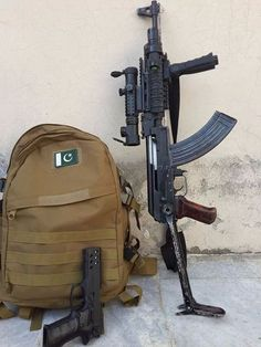 Post on gunsblades Pakistan Defence, Pakistan Armed Forces, Pakistan Army, Isi Pakistan, Pakistan Wallpaper, Pak Army Quotes, Pak Army Soldiers, Army Pics, Pakistan Independence Day