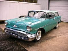'57 Oldsmobile Golden Rocket 88 Fiesta Station Wagon