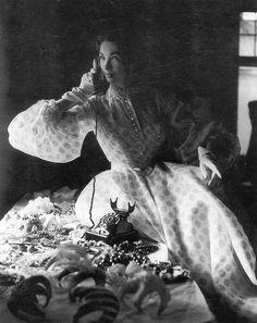 Elfi Wildfeuer in white organza evening dress by Uli Richter for Horn, photo by Hubs Flöter, 1951
