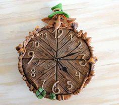 Reloj En Porcelana Leprechaun, Duende Irlandés.
