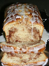 Easy Cinnamon Roll Bread No yeast in this recipe, so prep time is quick. You don't even need a mixer! It makes its own unique swirl as it cooks.