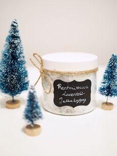 Kotitekoinen laventeli-jalkasuola on ihana hemmottelulahja! Christmas Is Coming, Christmas Gifts, Home Spa, Bath Salts, Better Life, Diy Gifts, Soap, Place Card Holders, Cosmetics
