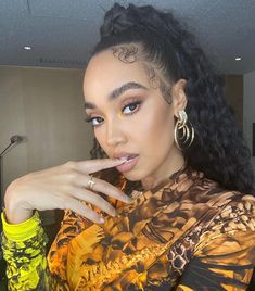 """Leigh-Anne Pinnock on Instagram: """"Who caught us on #jonathanross @mewossy last night performing Sweet Melody? We fully lived out a dream of ours in that pool of water! 😍🤣"""" Leigh Little Mix, Little Mix Jesy, The Jonathan Ross Show, Litte Mix, Mixed Girls, Girl Bands, Fifth Harmony, Female Singers, Celebs"""