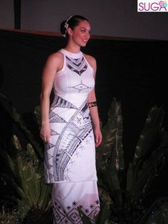 SUGA Latafale Auva'a to represent Samoa at Miss World: I want her puletasi! Island Wear, Island Outfit, Polynesian Designs, Polynesian Tribal, Samoan Dress, Tropical Dress, Different Dresses, Dress Patterns, Pretty Dresses