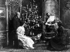 naxos 365: Σαν σήμερα (1843) στήνεται για πρώτη φορά σε ελληνικό σπίτι χριστουγεννιάτικο δέντρο...