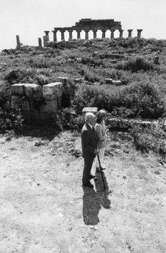 Jorge Luis Borges: On his blindness - Foto: Borges con Kodama en Selinunte Sicilia 1984 © Ferdinando Scianna/Magnum Photos -  http://borgestodoelanio.blogspot.com/2014/09/jorge-luis-borges-on-his-blindness.html