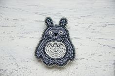 """Купить Брошь Тоторо Брошка из бисера """"Totoro"""" - тоторо брошь, вышитая брошь, серая брошь"""