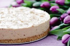 This yogurt cheesecake can be made with or without a crust. We give you the recipe for a nut crust that is just the perfect flavor with this cheesecake. Yogurt Cheesecake Recipe from Grandmothers Kitchen. Frozen Desserts, Just Desserts, Delicious Desserts, Dessert Recipes, Yummy Food, Berry Cheesecake, Yummy Treats, Sweet Treats, Gourmet