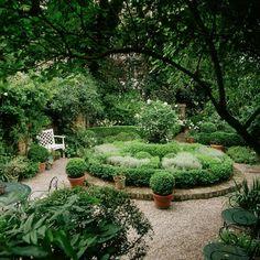 Der sch ne garten und seine bewohner on pinterest garten for Gartengestaltung langer garten