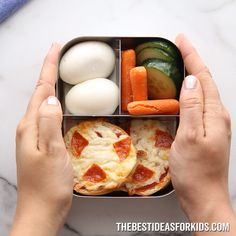 LUNCH IDEAS FOR KIDS ?- so many easy school lunch ideas for kids! Perfect for lunch boxes. Over 15 easy school lunch ideas for kids! No more boring sandwiches. These are easy to make and can be rotated on a 3 week schedule. Kids Lunch For School, Healthy Lunches For Kids, Healthy School Lunches, Lunch Snacks, Clean Eating Snacks, Kids Meals, Work Lunches, Lunch Boxes For Kids, Bento Lunch Ideas