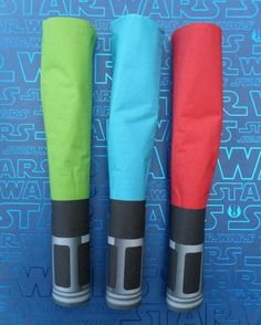 lightsaber napkin wraps - great for a star wars party.  or just for fun.  the movies had blue, green, red, and purple, but the books mention lightsabers of every color of the rainbow #parties #starwars #jedi