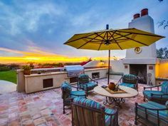 How great is this all-inclusive outdoor kitchen and eating area? San Diego, CA Coldwell Banker Residential Brokerage #sunset