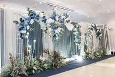 #แต่งงาน #สถานที่จัดงานแต่งงาน #ชุดไทยแต่งงาน #ช่างภาพงานแต่ง #wedding #weddingstudio #ไอเดียงานแต่ง #ฉากงานแต่งงาน #weddingbackdrop #weddingplanner #weddingmemories #weddingthailand #จัดงานแต่งงาน #จัดดอกไม้งานแต่ง Wedding Stage Backdrop, Wedding Backdrop Design, Wedding Stage Design, Indoor Wedding Decorations, Backdrop Decorations, Backdrops, Blue Gold Wedding, Starry Night Wedding, Engagement