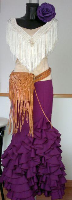 vestido combinable de Son de Flamenca, se toman medidas y confeccionan a su gusto , se pueden ver y probar en alCoso de Madrid, c/Alcalá 200