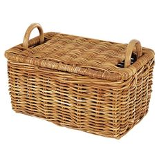 Eco-friendly rattan picnic basket. Product: Picnic basketConstruction Material: RattanColor: Natural...