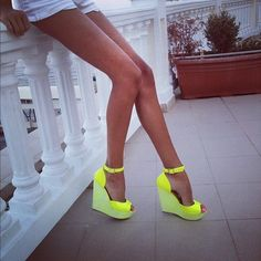 Yellow wedges look great against tan skin. Perfect for summer. Fashion Mode, Look Fashion, Fashion Shoes, Girl Fashion, Latest Fashion, Fashion Ideas, Fashion Design, Cute Shoes, Me Too Shoes