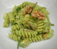 Pasta con salsa di noci e rucola – speck e scamorza affumicata