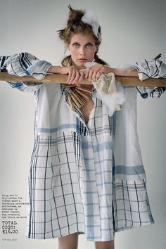 Malgosia Bela dressed in a tea towel dress, designed by Peter Jensen, for a More Dash Than Cash shoot in the November 2009 issue. READ TIM'S BIOGRAPHY Photo By Tim Walker/Vogue Upcycling Fashion, Diy Fashion, Fashion News, Fashion Show, Fashion Trends, Vogue Uk, Vogue China, Vogue Japan, Vogue Russia