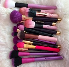 Image shared by Thais Soto. Find images and videos about pink, makeup and make up on We Heart It - the app to get lost in what you love. Makeup Goals, Makeup Tips, Beauty Makeup, Makeup Products, Makeup Style, Skin Makeup, Makeup Brushes, Beauty Brushes, Mac Makeup