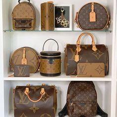Louis Vuitton Monogram Canvas Mini Pochette Accessoires – The Fashion Mart Louis Vuitton Taschen, Louis Vuitton Handbags, Louis Vuitton Monogram, Sac Luis Vuitton, Replica Handbags, Purses And Handbags, Gucci Purses, Handbags Online, Sacs Design