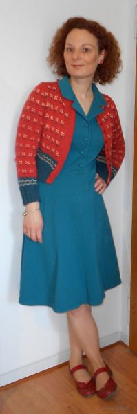 MMMay Day 2: Dress: Vogue 8613 Heidi-Cardigan: Rebecca 53 Modell 22 Heidijäckchen von HIER: Rebecca 53 Modell 22