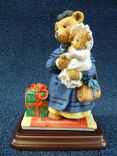 """Dept 56 Upstairs Downstairs Bears Nanny & Baby Arthur """"Christmas Shopping""""...thrifted for bedroom windows...less than $2"""