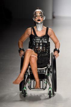 Des mannequins handicapés défilent à la Fashion Week de New York #EnsembleContreLespréjugés
