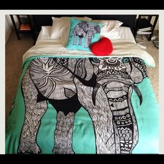 ELEPHANT BEDDING @tyra_willamor I WANT THIS FOR MY NEW APARTMENT DORM!