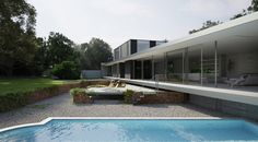 Our project today is from Ström Architects, it is of a private house built in Suffolk  in England in one of its best know areas of outstanding beauty. The original site once held a house that had been burned down and only the debris and some walls remained along with a swimming pool.