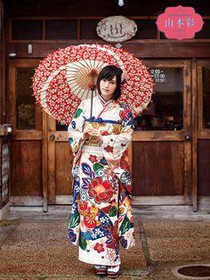山本彩プロデュース振袖 YS-2 Kimono Japan, Japanese Kimono, Japanese Costume, Beautiful Japanese Girl, Japanese Outfits, Folk Costume, Yamamoto, Costumes For Women, Asian Beauty