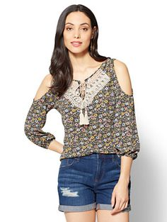 Shop Crochet-Trim Cold-Shoulder Blouse - Floral. Find your perfect size online at the best price at New York & Company.