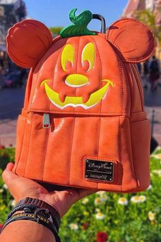 26 Pieces of Disney Park Halloween Merchandise to Die For This Year halloween outfits 26 Pieces of Disney Park Halloween Merchandise to Die For This Year Disney World Halloween, Disneyland Halloween, Disney Halloween Decorations, Halloween Fashion, Halloween Outfits, Cute Disney, Disney Style, Disney Disney, Disney Bound