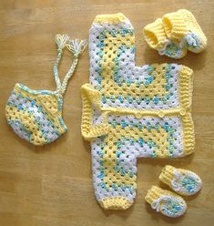 Ravelry: Project Gallery for Bev's Hexagon Baby Jacket pattern by Beverly A. Qualheim Ravelry: Project Gallery for Bev's Hexagon Baby Jacket pattern by Beverly A. Crochet Baby Sweater Pattern, Crochet Baby Sweaters, Baby Sweater Patterns, Crochet Baby Cardigan, Crochet Baby Clothes, Newborn Crochet, Baby Patterns, Baby Knitting, Crochet Patterns
