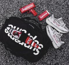 "Supreme gear & Adidas Yeezy Boost 350 V2 ""Zebra"""