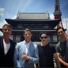 #Zojoji Temple visit with The G Men @mister_CMS @robinlordtaylor @ben_mckenzie .Then there were 3.Bye bye Ben