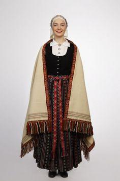 Zemgale Folk Dress 18th century  | Latvian Institute