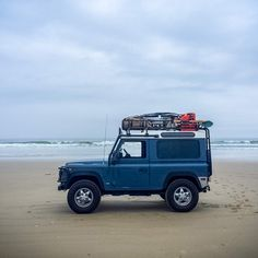 Four friends drove miles across the American Southwest in a 1994 Land Rover Defender. Land Rover Defender Camping, Landrover Defender, New Defender, Beach Rides, Best 4x4, Camper Life, Range Rover Sport, Landing, Bring It On